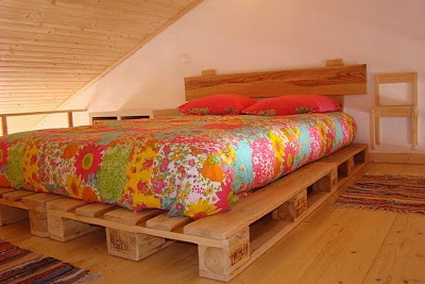 Beds Made With Wooden Pallets 2