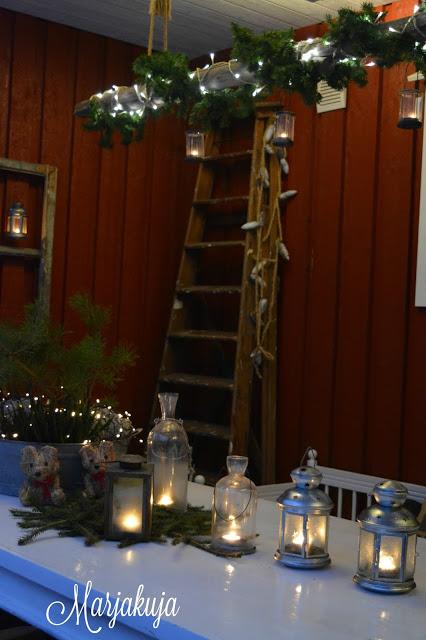 Terassi joulu poyta maalarintikkaat