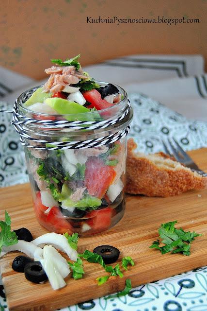 429. Prosta sałatka z tuńczykiem i awokado