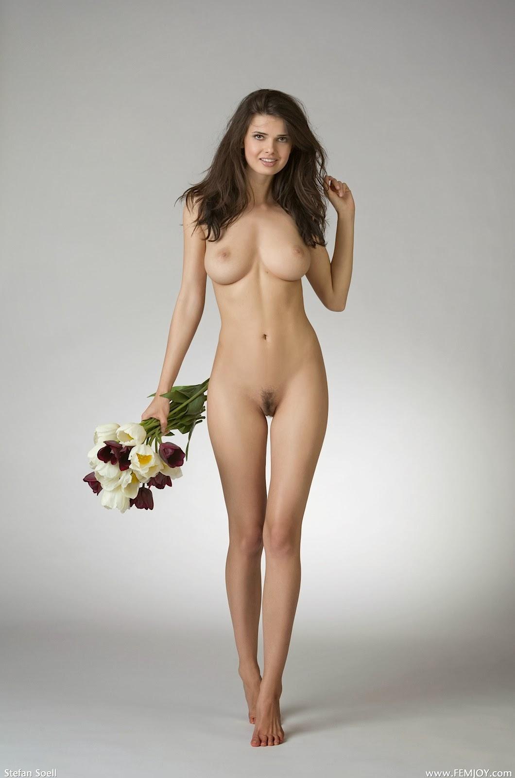 29 fotos de desnudos de la más hermosa chica latina