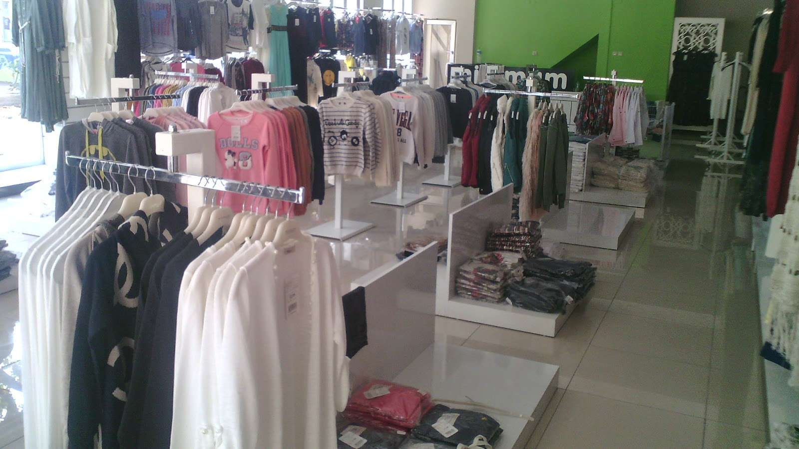 yazlık ve kışlık bayan giyim ürünleri imalatı - toptan satış merkezi