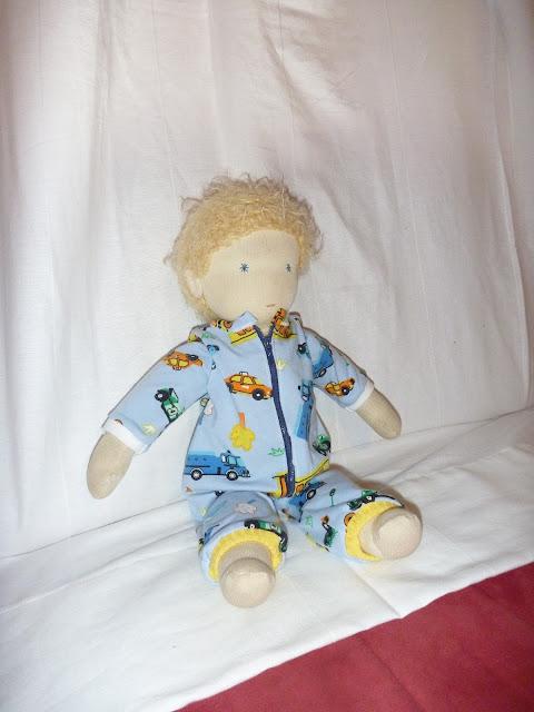 Schlafanzug für Puppe nähen