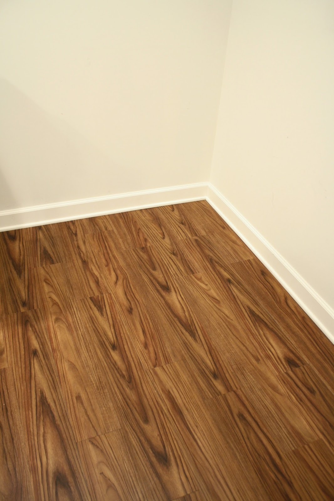 Wood Look Vinyl Flooring : Vinyl flooring that looks like wood for the basement