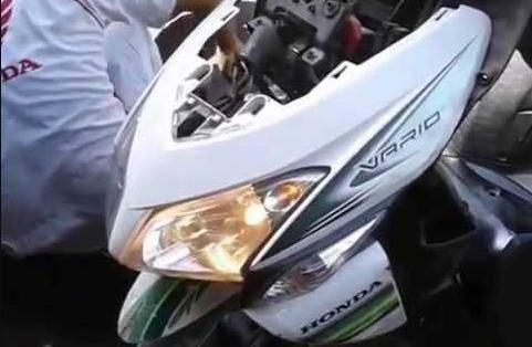 Cara Mengecek Dan Mengatasi Lampu Utama Honda Vario 125 Yang Sering Putus