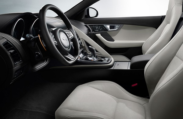 Interior Jaguar F-Type 3.0 Carbio