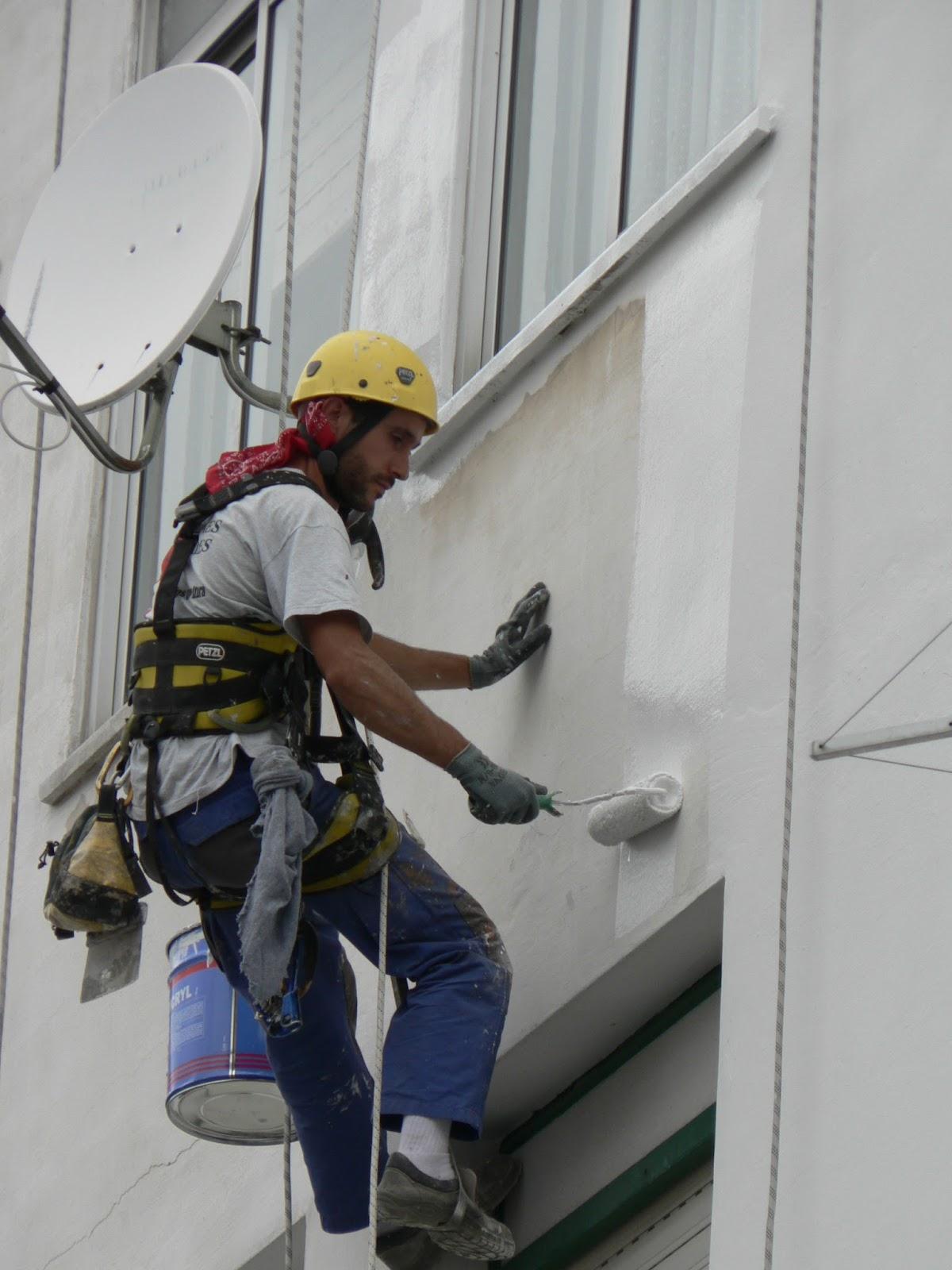 Rehabilitaci n de edificios aplicaciones celeste trabajos verticales fachadas tejados e - Pintado de fachadas ...