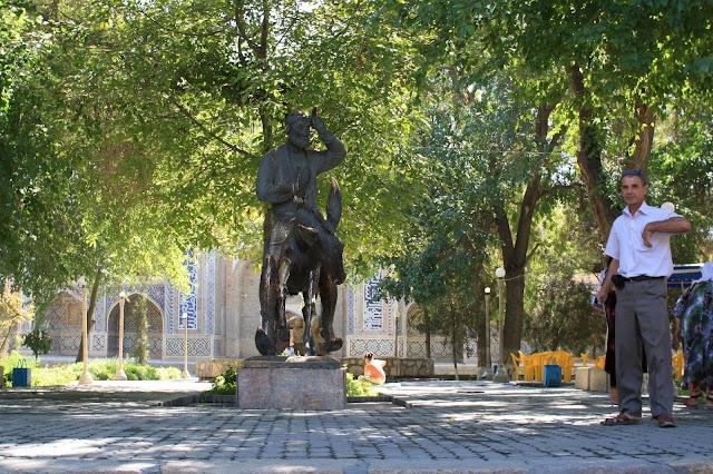 Ouzbékistan, Boukhara, Lyab-i Hauz, Nasreddine Hodja, © L. Gigout, 2010