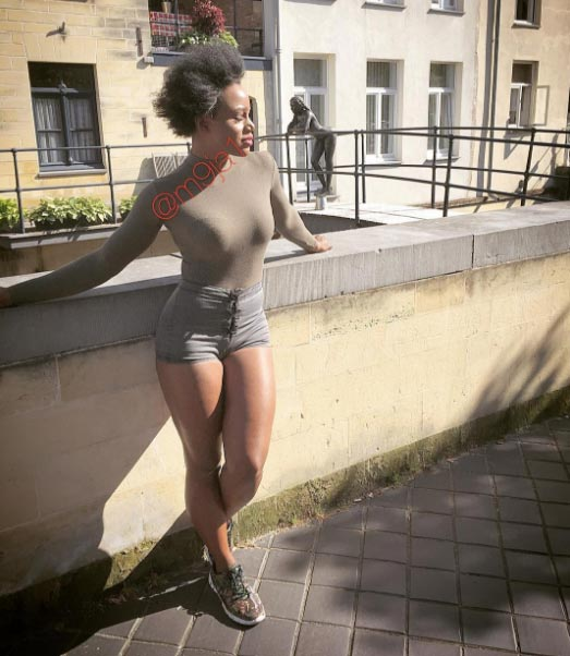 Maheeda shows off her unbleached body in another set of photos