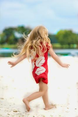 Lilo and stitch beach photo shoot. Kids birthday picture ideas