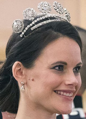Sweden Six Button Tiara Princess Sofia