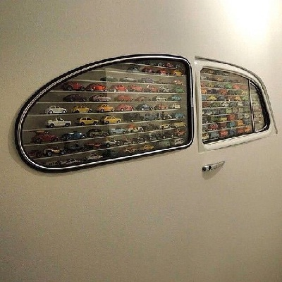unique car's window wall shelf idea