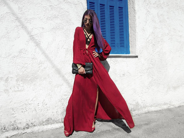 santorini fashion blogger