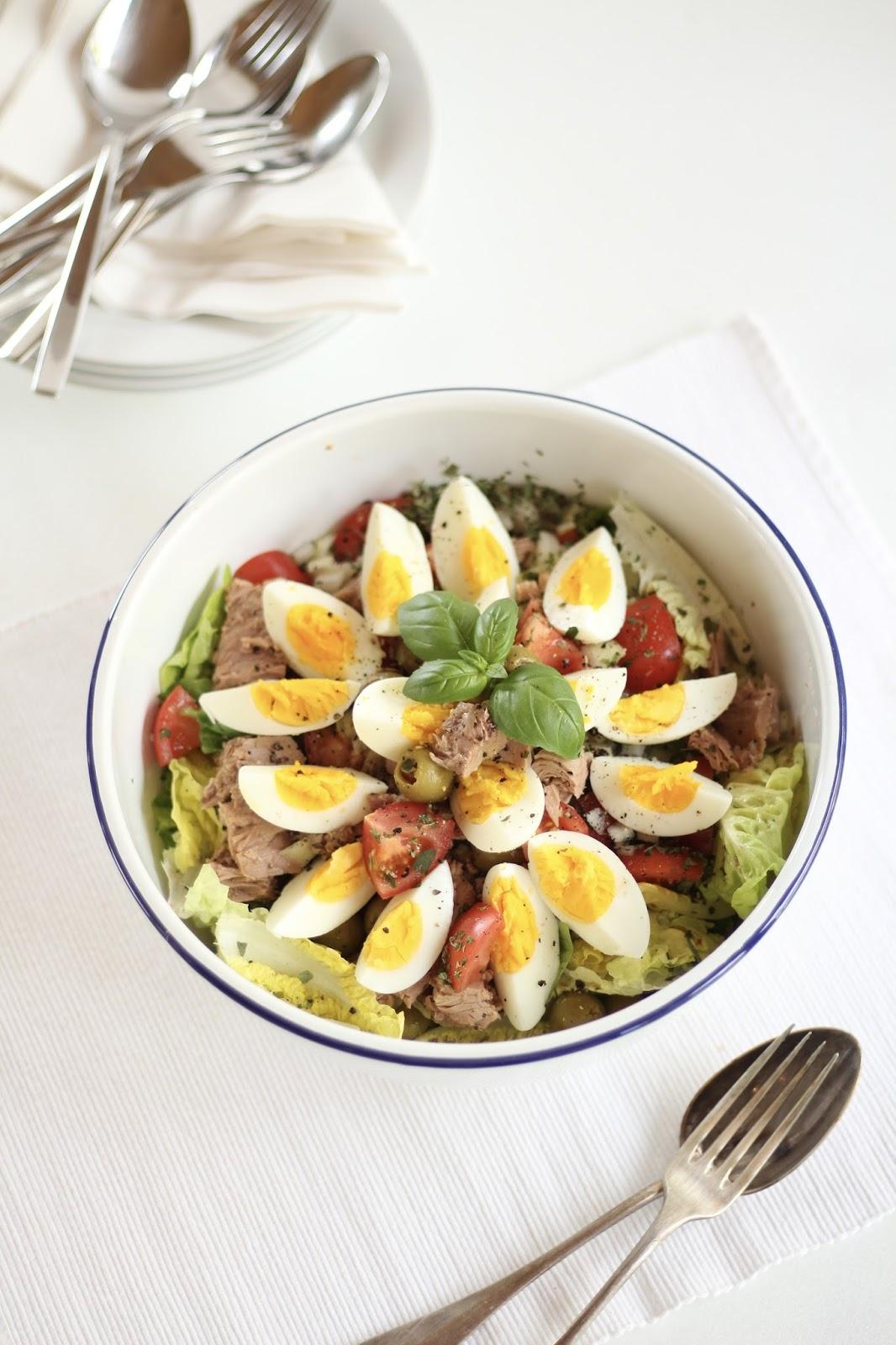 Cesar Salat: Speiseplan für eine super sonnige Aprilwoche: Sieben clean Eating Rezepte auf einen Streich