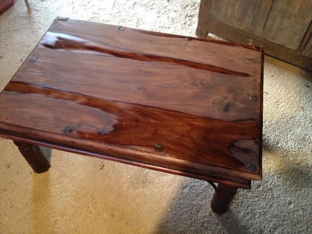 mes r novations de meubles en bois r novation d 39 une table basse en bois exotique. Black Bedroom Furniture Sets. Home Design Ideas