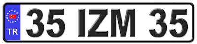 İzmir il isminin kısaltma harflerinden oluşan 35 IZM 35 kodlu İzmir plaka örneği