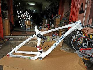 Frame sepeda mtb 26 inch BH LYNX putih