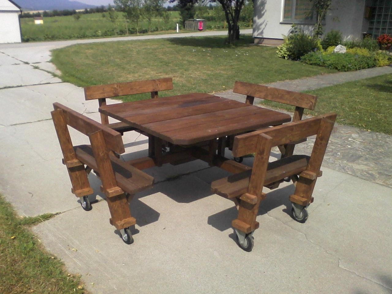 gartenbank holz mit integriertem tisch. Black Bedroom Furniture Sets. Home Design Ideas