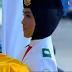 Si Manis Cut Aura, Pembawa Baki di Upacara Penurunan Bendera