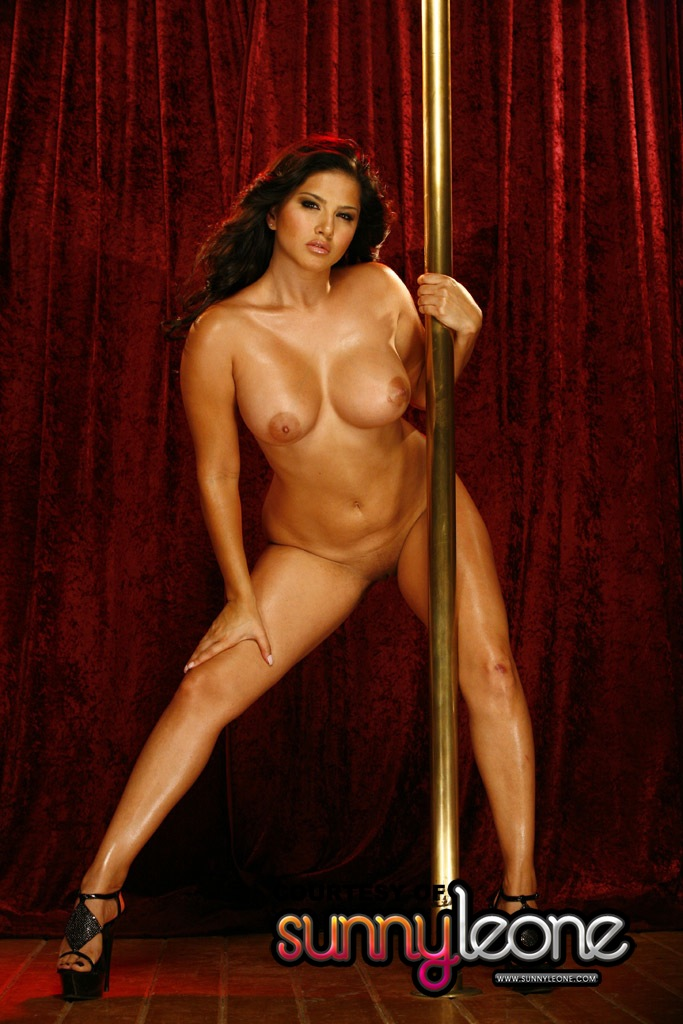 naked pole dancing