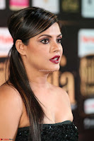Glamorous Actress Neetu Chandra in Black dress at IIFA Utsavam Awards 2017  HD Exclusive Pics 13.JPG