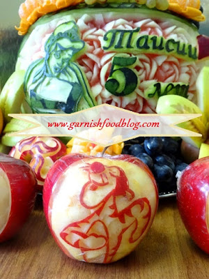 apple garnish fruit display