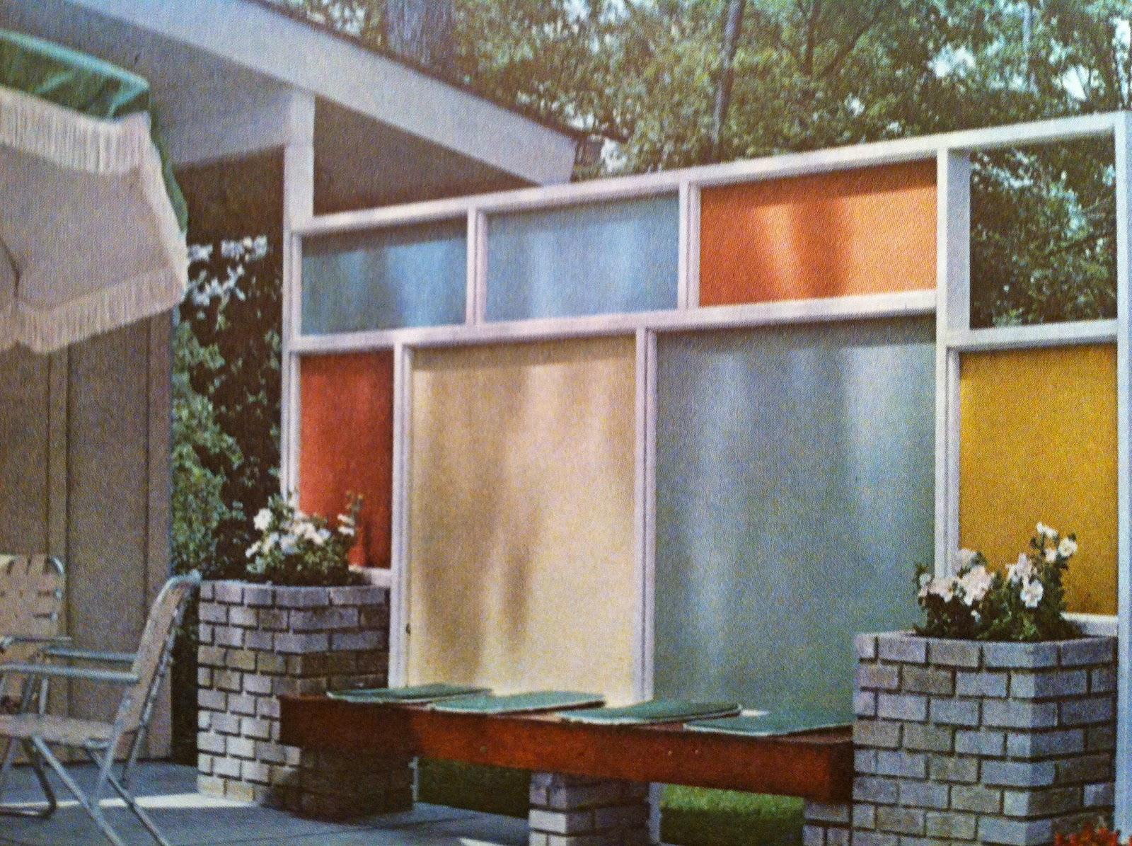 mid century modern fences part 1 livemodern your best modern home. Black Bedroom Furniture Sets. Home Design Ideas