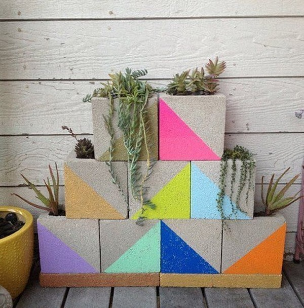 More Ideas for Decorating With Concrete Blocks 4