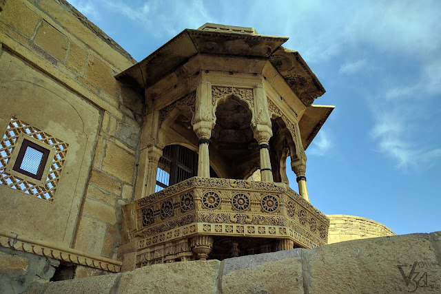 exquisitely crafted jharokha, Jaisalmer Palace