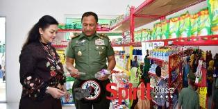 Pangdam Hasanuddin,Mini Market Asrama Deninteldam Patut Diteladani