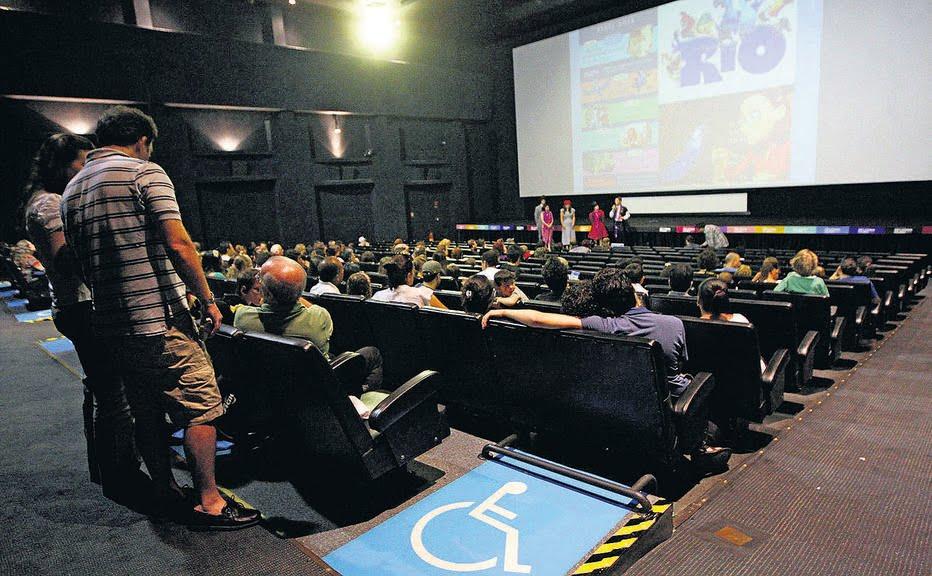 Acessibilidade nos cinemas virou caso de justiça