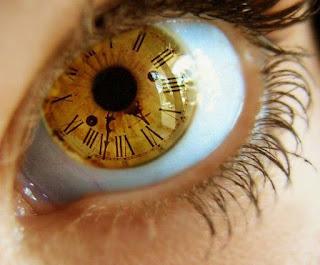 Điềm báo nháy mắt là gì ?