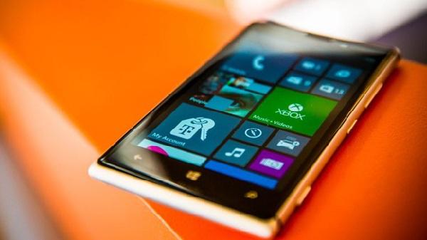 Thay mặt kính Nokia Lumia 925 chính hãng