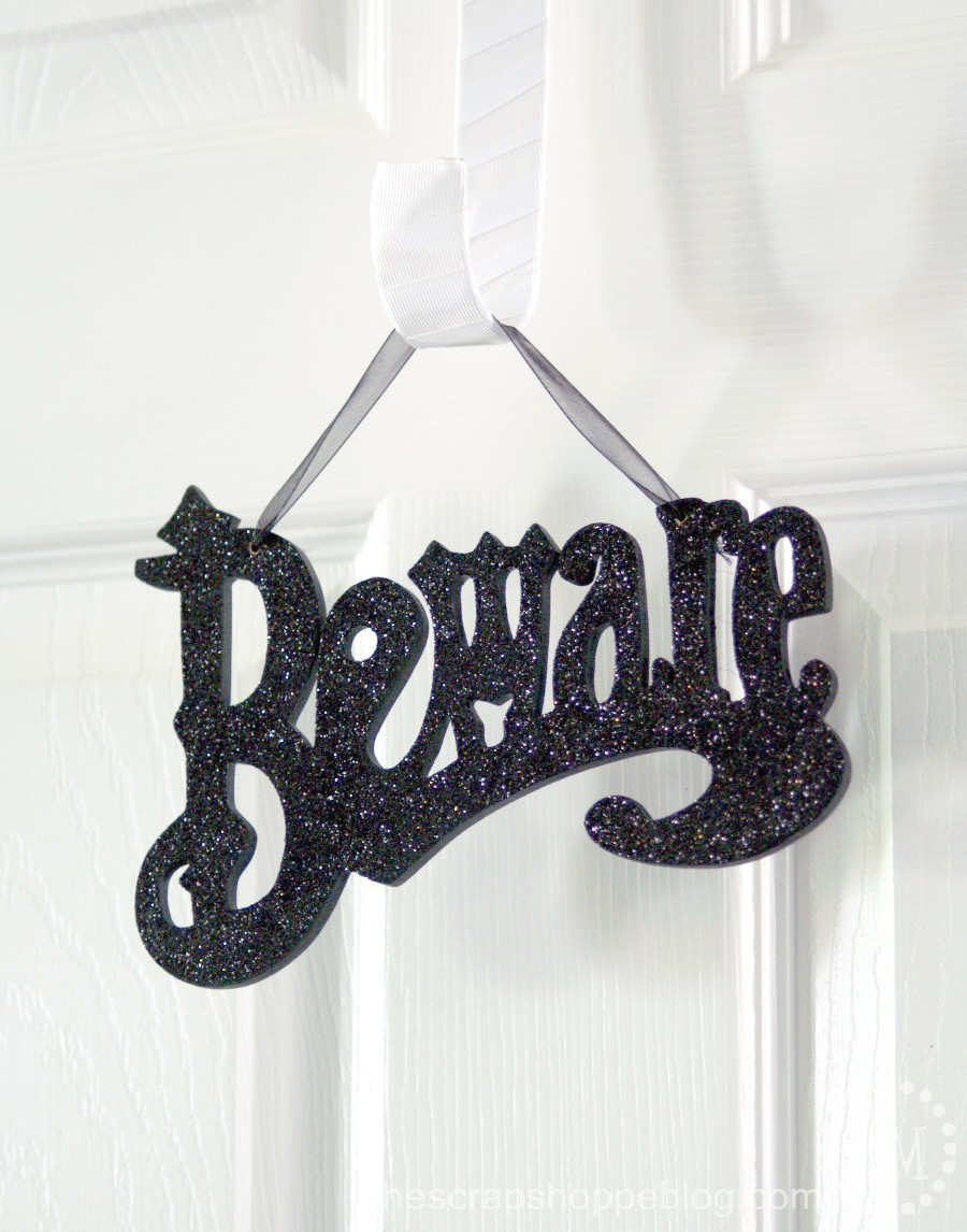 how to hang wreath signage