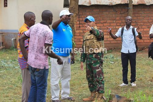 Kontingen Garuda Laksanakan Pembersihan Sampah di Universitas Bangui Afrika