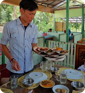 Rumah+Makan+Padang+Bukittinggi