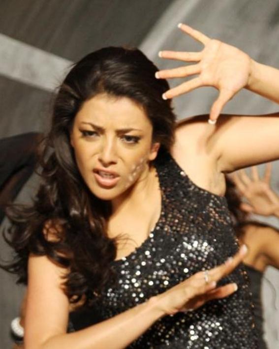 Hot Kajal Agarwal Cleavage Boobs Expose In Black Dress