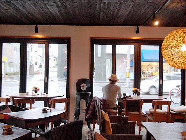 Swan鵝牌極致鵝絨日式刨冰 鵝絨雪花冰 #怪奇鵝絨冰(3):#賀茂茄子鵝絨冰|#京都與峇里島的結合 #當京野菜遇見南國風-unexpected-flavoring-kakigori-kyoto-CafeBaliGasi-window-seats