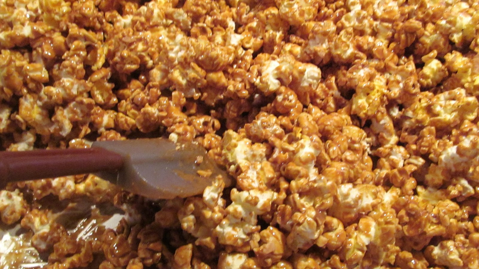 The Freshman Cook Biscoff And Toffee Popcorn