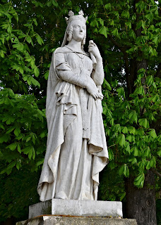 http://www.nella-buscot.com/jardins_paris_luxembourg_reines.php