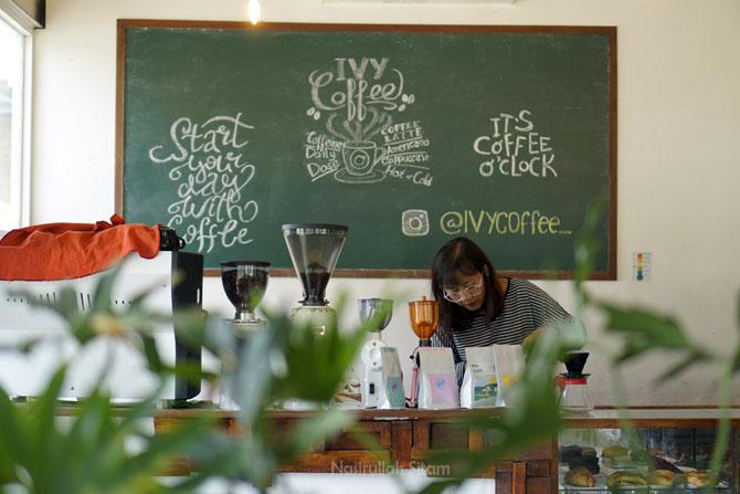 Barista Ivy Coffee Jogja