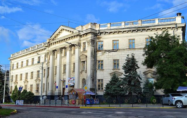 Музей ЮГНИРО в Керчи