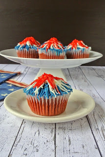 Memorial Day Firework Cupcakes by CulinaryGinger