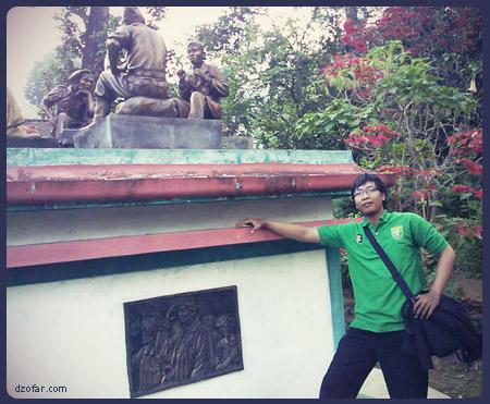 Anang dan Monumen Jendral Soedirman