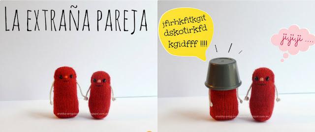 muñecos rojos hechos a mano