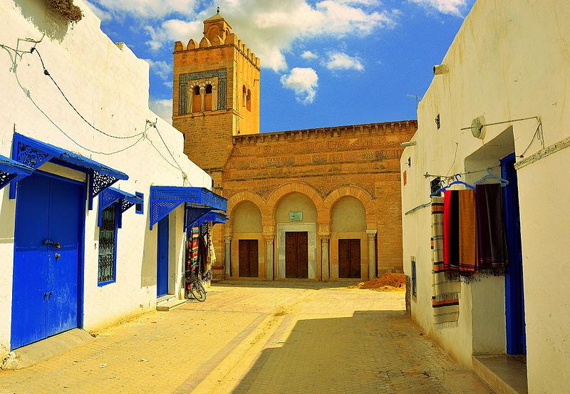 مسجد الأبواب الثلاثة بالقيروان