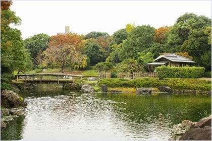 สวนชิโรโทริ (Shirotori Garden)