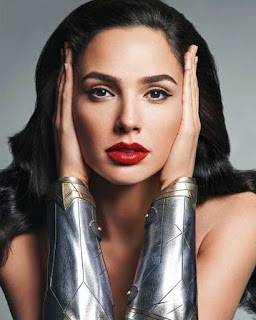 Download 30 Foto Gal Gadot Terbaru Sang Pemeran Movie Wonder Woman