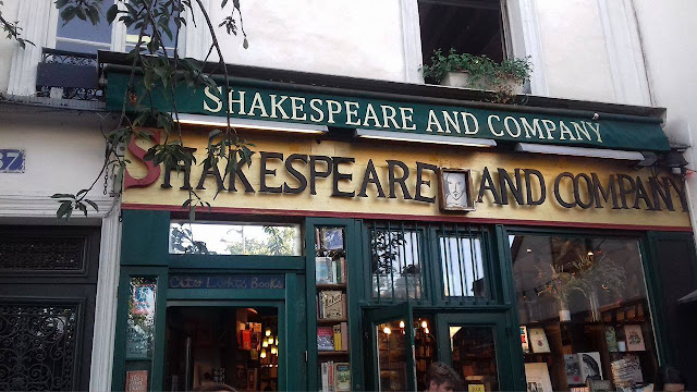 SHAKESPEARE AND COMPANY librerie a Parigi
