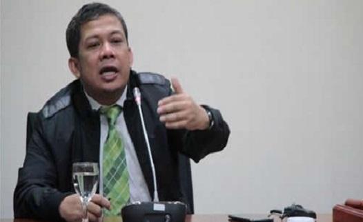 Fahri mengusulkan ke Presiden Joko Widodo agar KPK dibubarkan