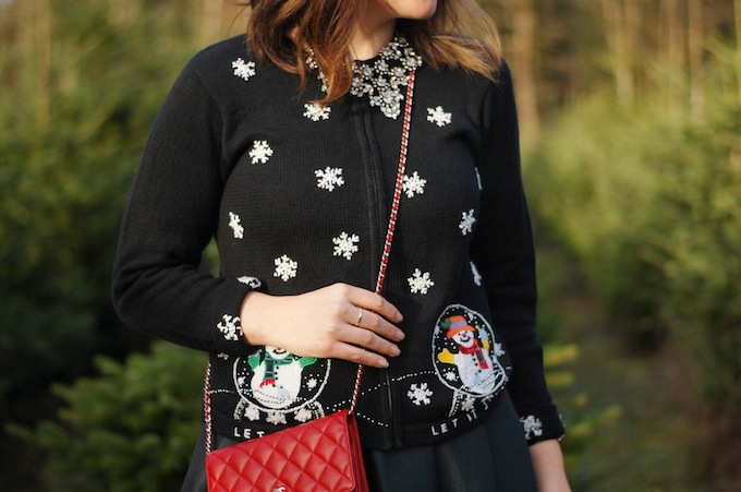 Cute tacky Christmas sweater how to wear